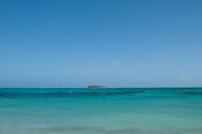 Vue d'atoll de Johnny Cay de San Andres, Colombie photos stock