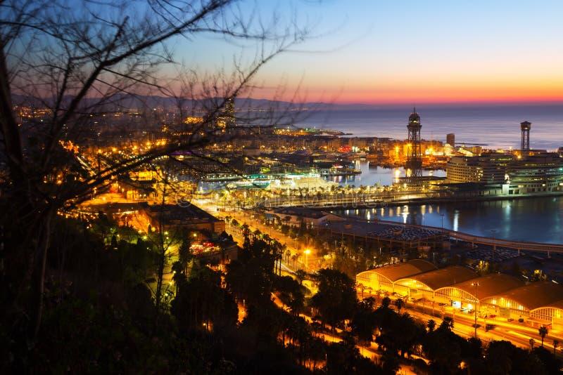 Vue d'aube de Barcelone de Mondjuic image libre de droits