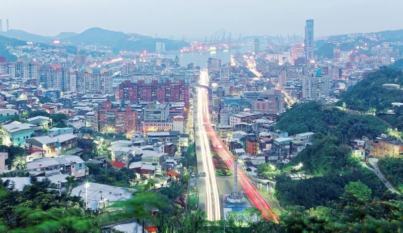 Vue d'aube de Keelung, une belle ville de port à Taïwan du nord photographie stock