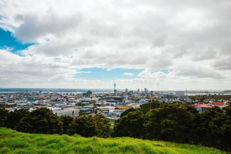 Vue d'Auckland de Mt Éden photographie stock libre de droits