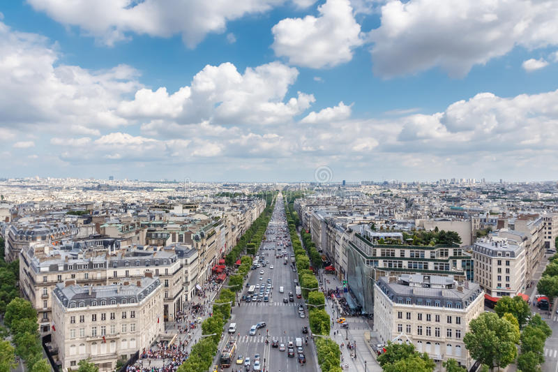 Vue d'avenue de Champs-Elysees d'Arc de Triomphe, Paris, France images libres de droits