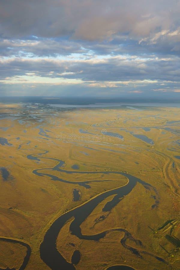 Vue d'avion des tributaires de rivière d'Amur Heilong Jiang dans E lointain image stock