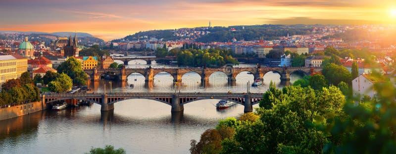 Vue d'ensemble de vieux Prague photos stock