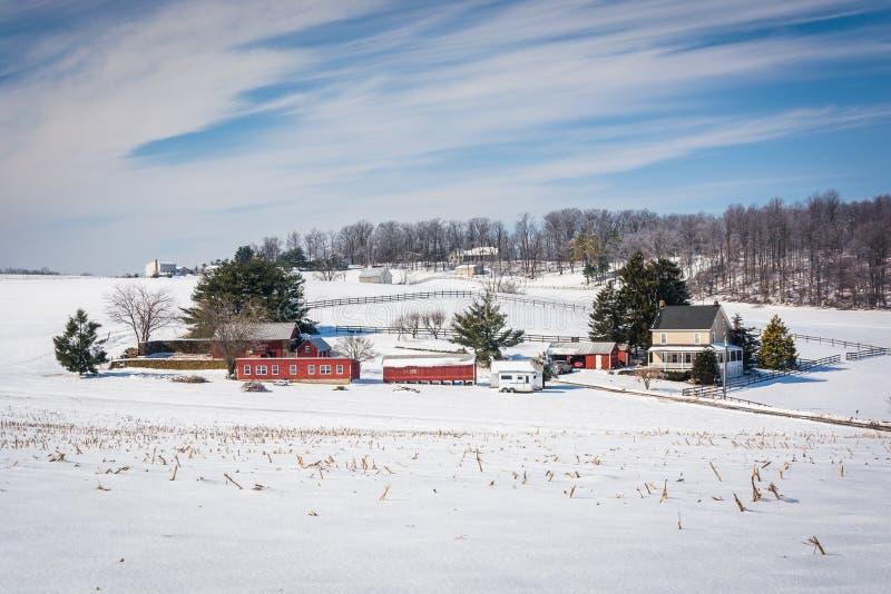 Vue d'hiver d'une ferme dans Carroll County rurale, le Maryland photo libre de droits