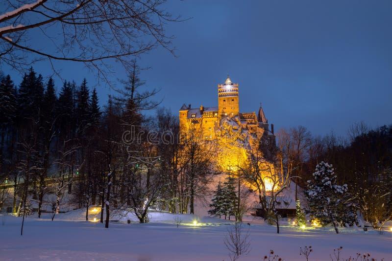 Vue d'hiver de château de son, également connue sous le nom de château du ` s de Dracula image libre de droits
