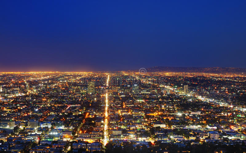 Vue d'horizon de Los Angeles la nuit photos stock