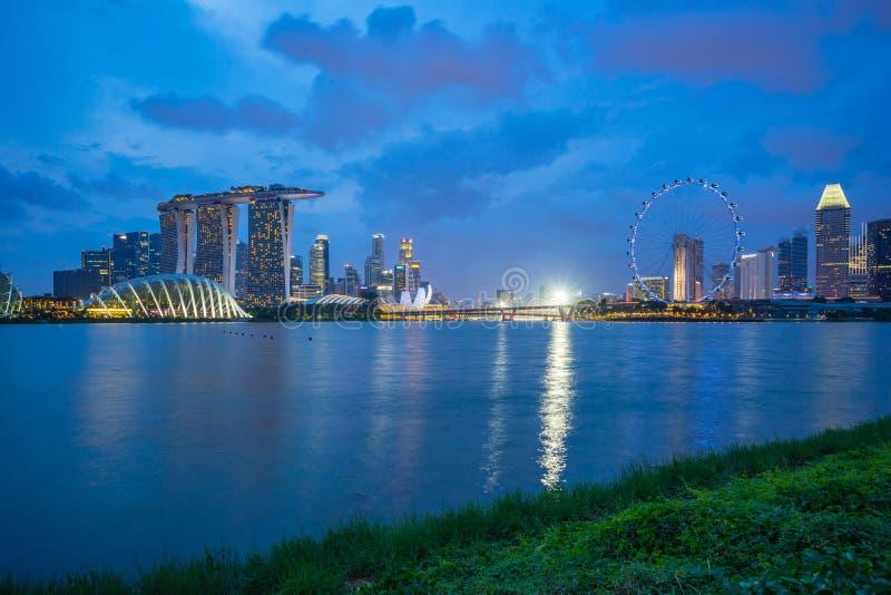 Vue d'horizon de ville de Singapour de Marina Barrage dans la ville de Singapour photo libre de droits