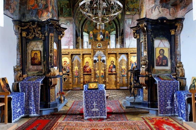 Vue d'intérieur de monastère de Bezdin photos libres de droits