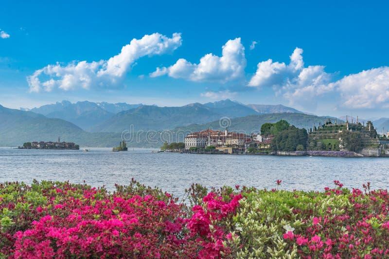Vue d'Isola Bella Island sur le lac Maggiore photos stock