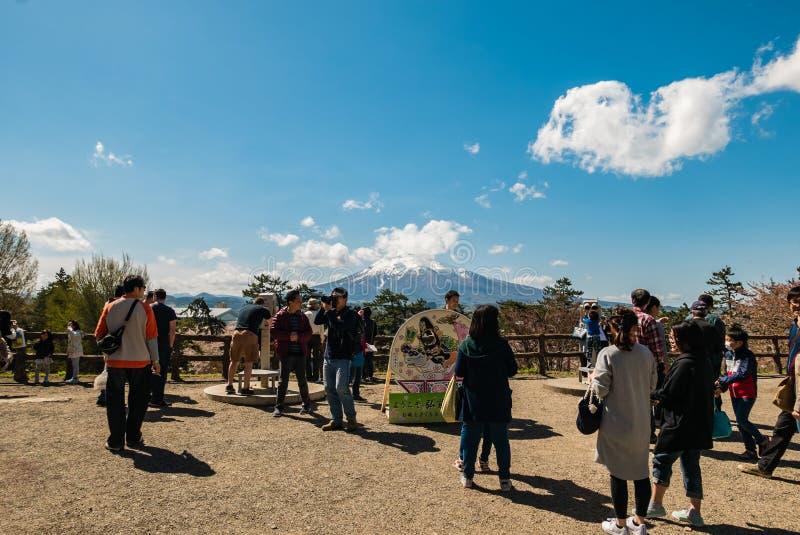 Download Vue D'Iwaki De Bâti De Parc De Château De Hirosaki Photo éditorial - Image du canal, cerise: 76089296