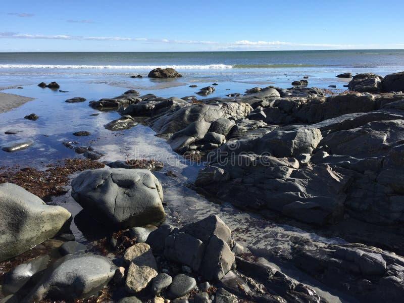 Vue d'océan Rivage rocheux photos stock