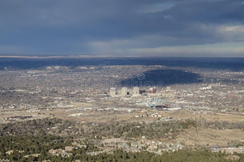 Download Vue D'oeil D'oiseaux De Colorado Springs Photo stock - Image du nuages, ceci: 87706896