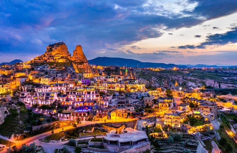 Vue d'Uchisar au coucher du soleil Cappadocia, Turquie photo stock