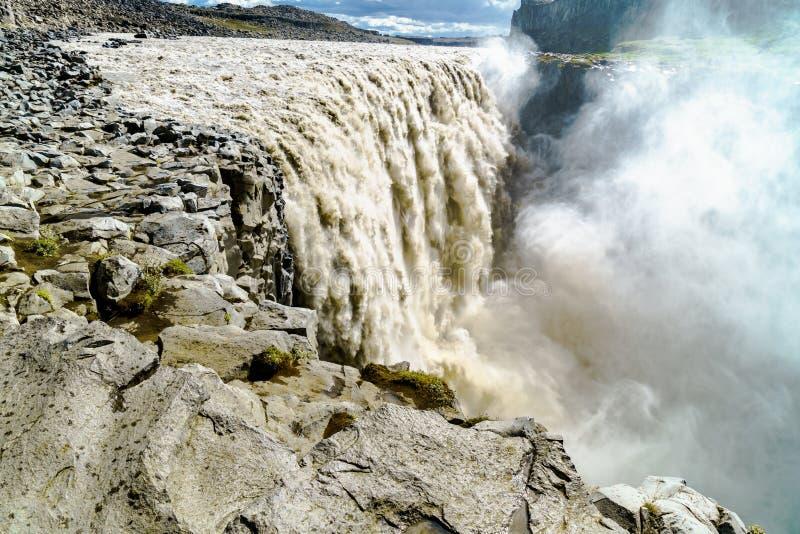 Download Vue d'un beau Dettifoss image stock. Image du cascades - 76084905