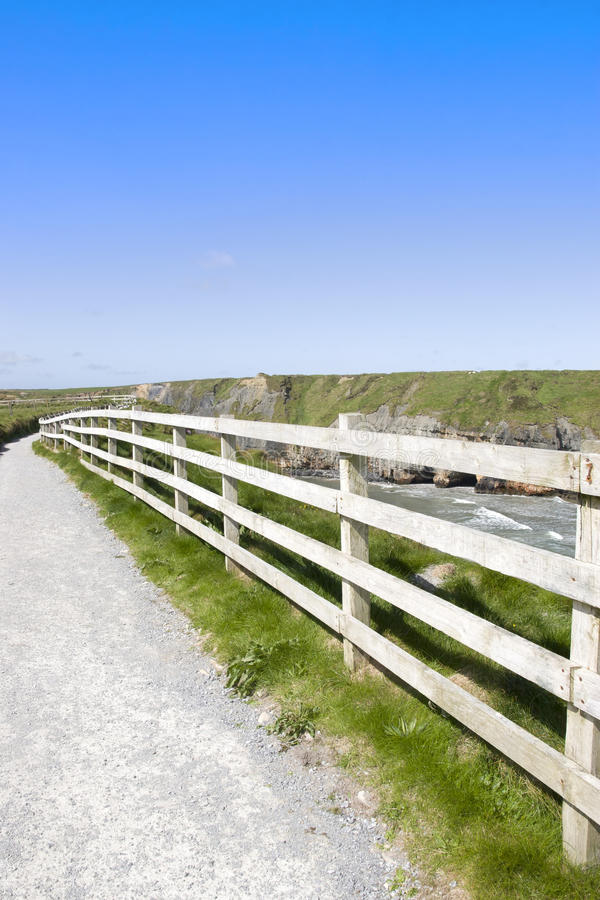 Vue d'un chemin de promenade de falaise image libre de droits
