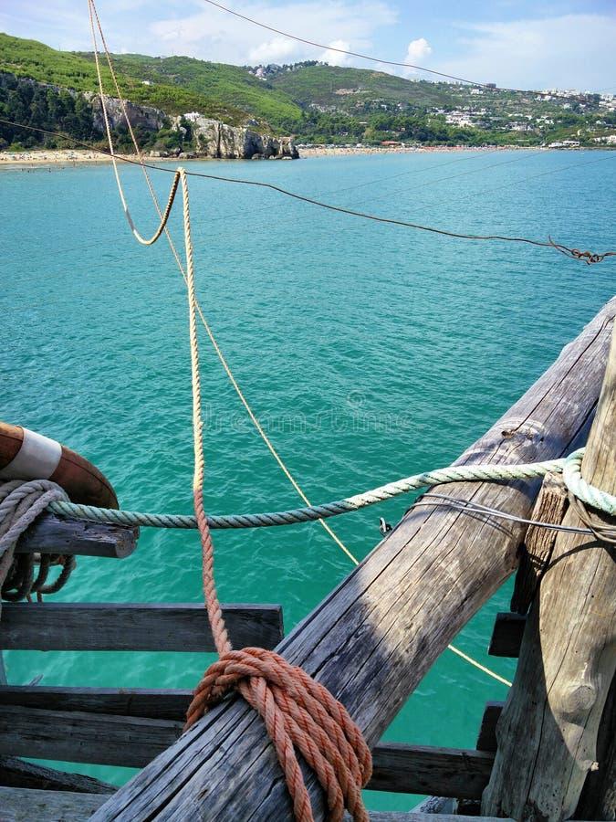 Vue d'un vieux bateau photo libre de droits