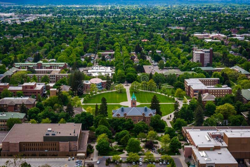 Vue d'université du Montana de la sentinelle de bâti, dans Missoula image stock