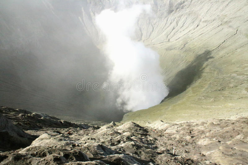Download Vue Dans Le Volcan De Bromo Image stock - Image du distance, intervalle: 45354437