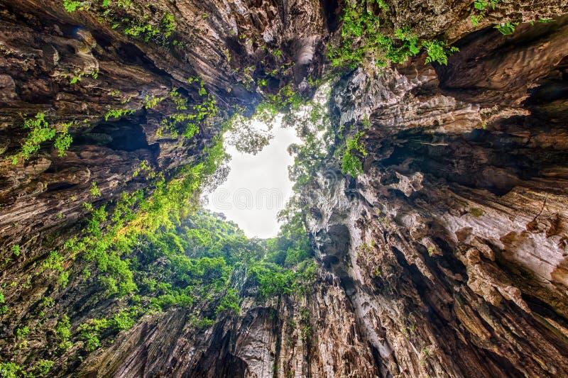 Vue dans les cavernes de Batu photo libre de droits
