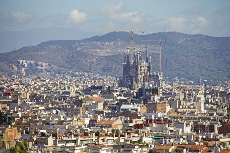 Vue de Barcelone avec Sagrada Familia photos stock