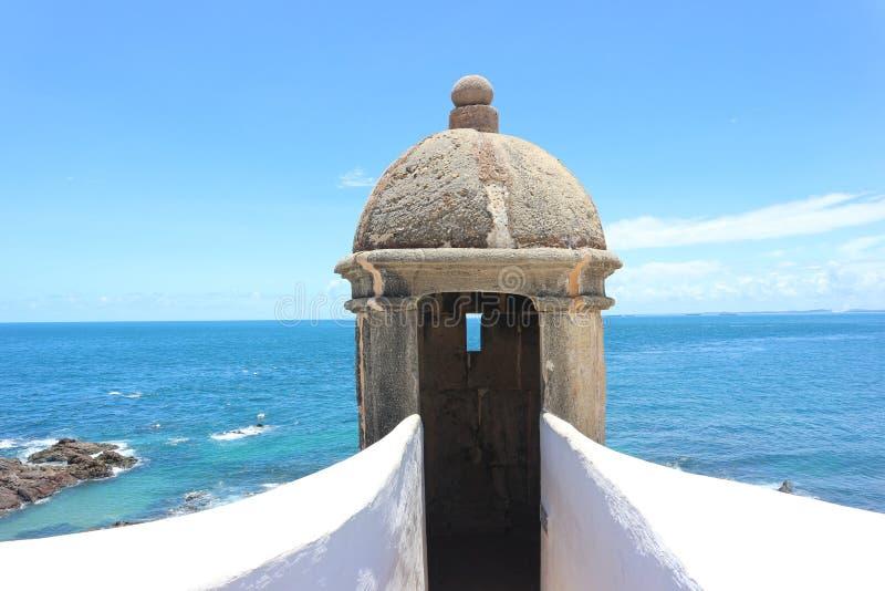 Vue de Barra Lighthouse - musée nautique du Bahia images stock
