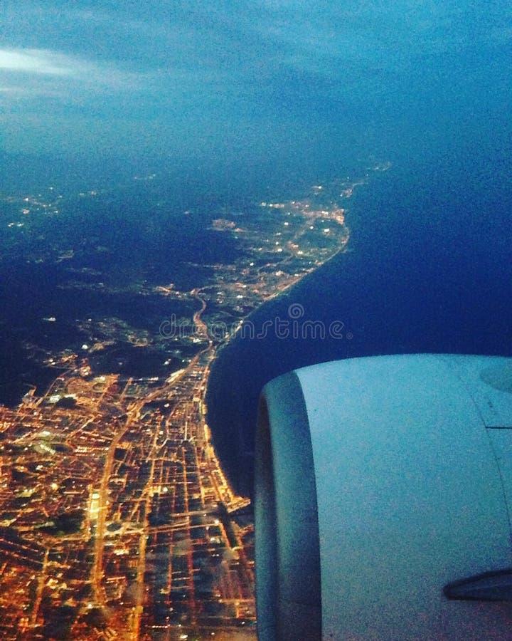 Vue de Bastia en avion. Vue aérienne de Bastia à bord d& x27;un airbus de nuit stock images