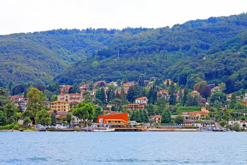 Vue de Baveno et de lac Maggiore Italie images stock