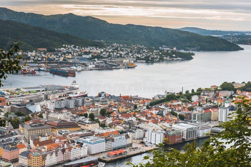 Download Vue de Bergen, Norvège photo stock. Image du noway, europe - 77156256