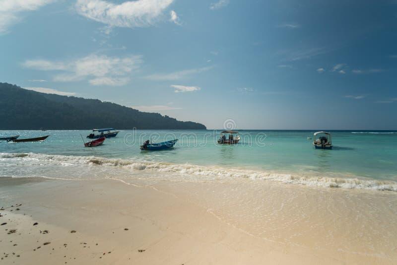 Vue de bord de la mer d'île idyllique de Pulau Perhentian Besar, Malaisie images libres de droits