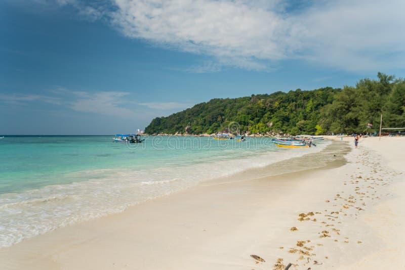 Vue de bord de la mer d'île idyllique de Pulau Perhentian Besar, Malaisie photos stock