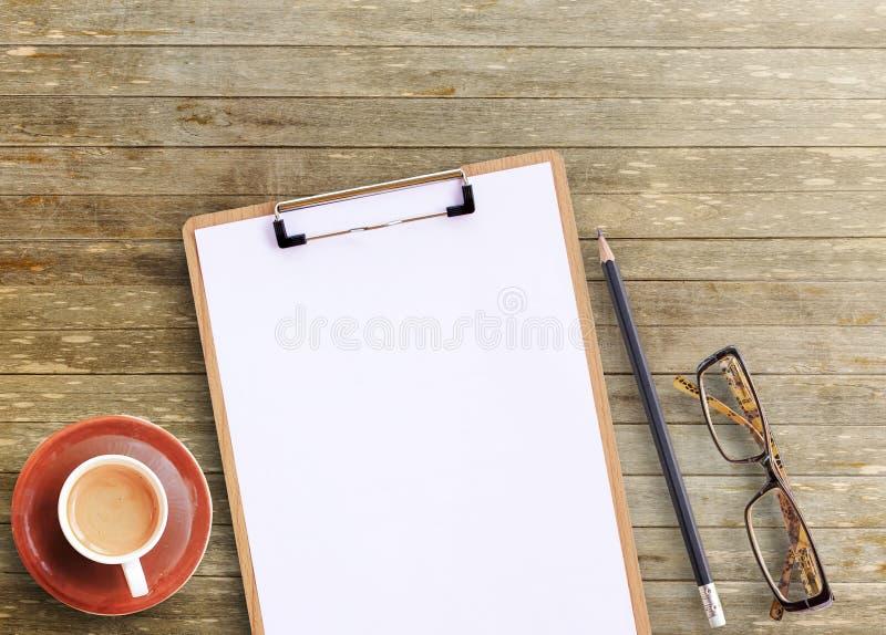 Vue de bureau de bureau de table en bois brune de bureau photo libre de droits