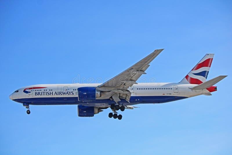 Vue de côté de British Airways Boeing 777-200ER photographie stock