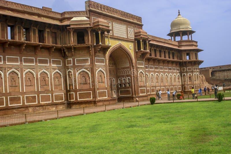 Vue de côté de Jahangiri Mahal dans le fort d'Âgrâ ?gr?, uttar pradesh, Inde photographie stock libre de droits