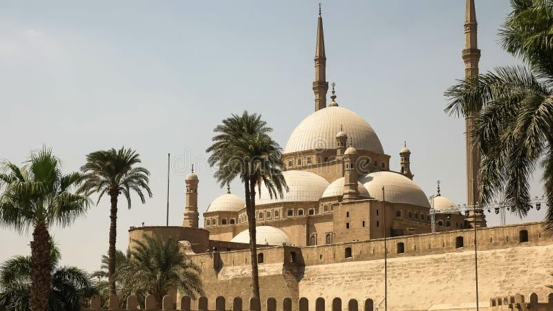 Vue de côté de la mosquée d'albâtre au Caire, Egypte photographie stock libre de droits