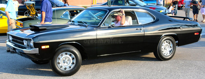 Vue de côté de la voiture modèle de Dodge Demon Antique des années 1970 noires images libres de droits