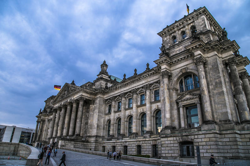 Vue de côté de reichstag construisant Berlin photo stock