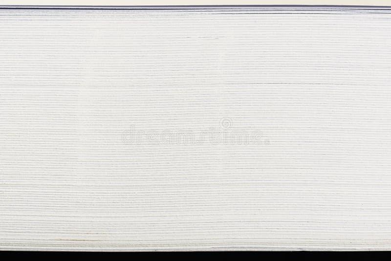 Vue de côté des papiers de pile photo stock