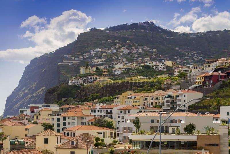 Vue de Camara de Lobos sur les collines, île de la Madère, Portugal image stock