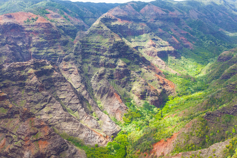 Vue de canyon de Waimea d'en haut image stock