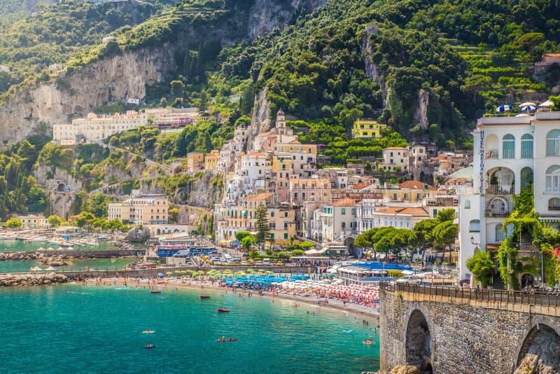 Vue de carte postale côte d'Amalfi, Amalfi, Campanie, Italie image stock