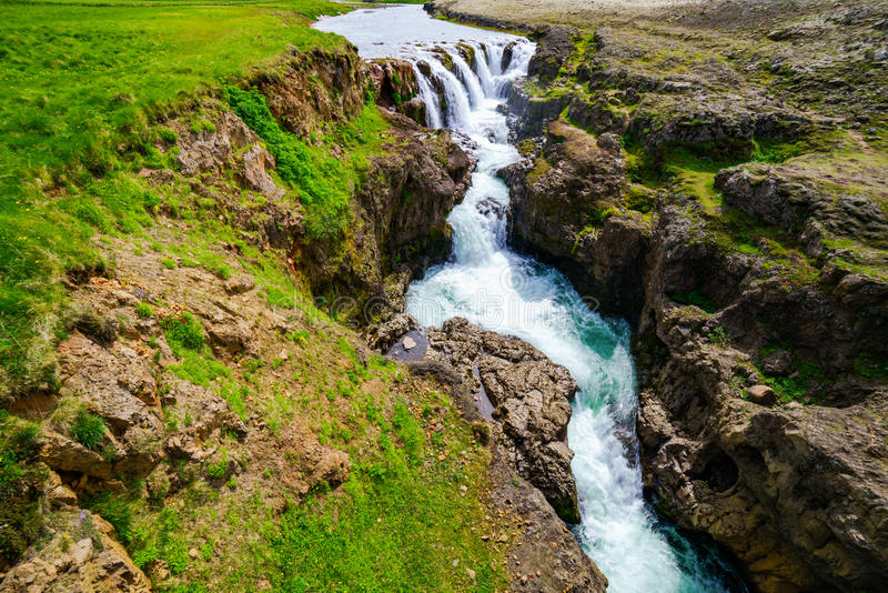 Download Vue De Cascade De Kolugljufur Photo stock - Image du place, horizontal: 76084614
