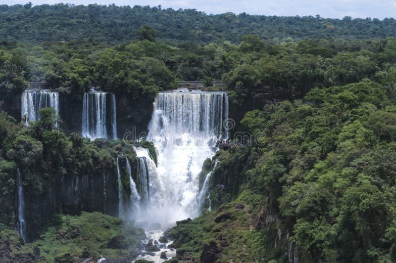 Vue de cascades d'Iguazu de côté brésilien photo libre de droits