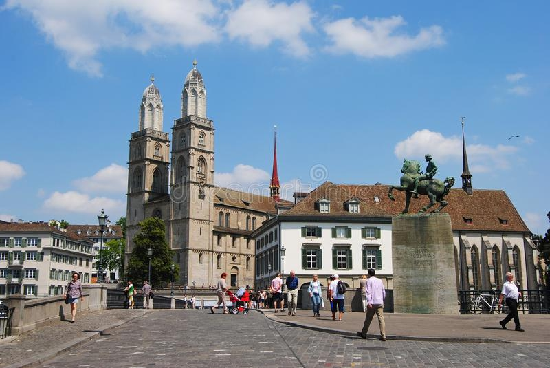 Vue de cathédrale de Grossmunster à Zurich, Suisse photo stock