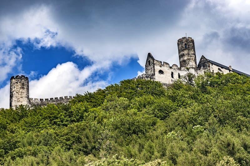 Vue de château de Bezdez image libre de droits