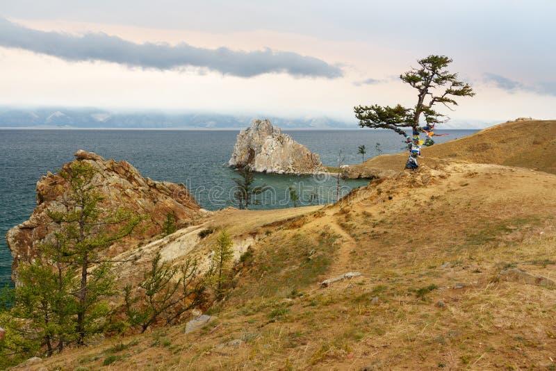 Vue de chaman Rock Lac Baikal Île d'Olkhon Russie image libre de droits