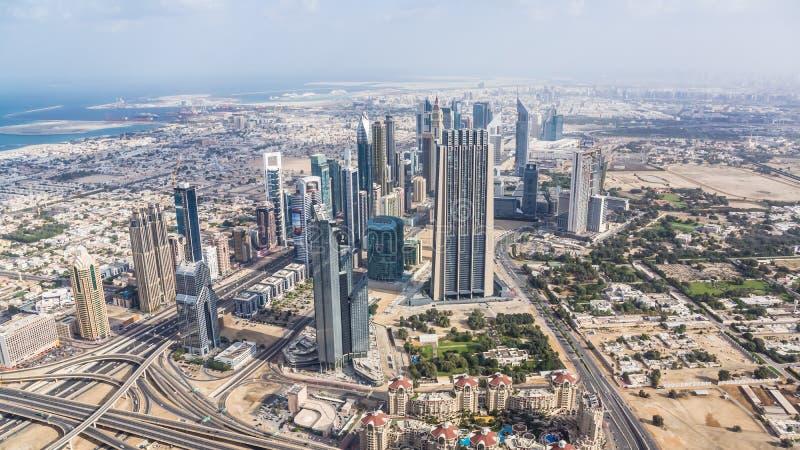 Vue de cheik Zayed Road à Dubaï du centre photo stock