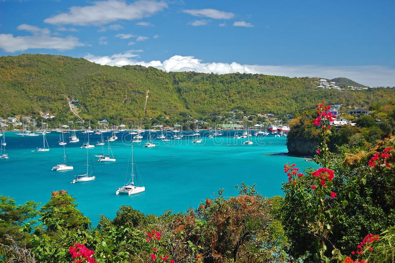 Vue de compartiment d'Amirauté sur l'île de Bequia image libre de droits