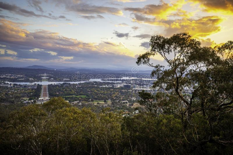 Vue de coucher du soleil de bâti Ainslie Lookout, Canberra photo libre de droits