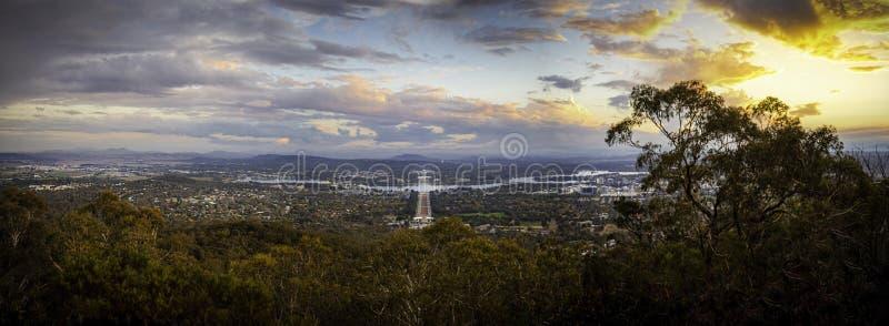 Vue de coucher du soleil de bâti Ainslie Lookout, Canberra photos libres de droits
