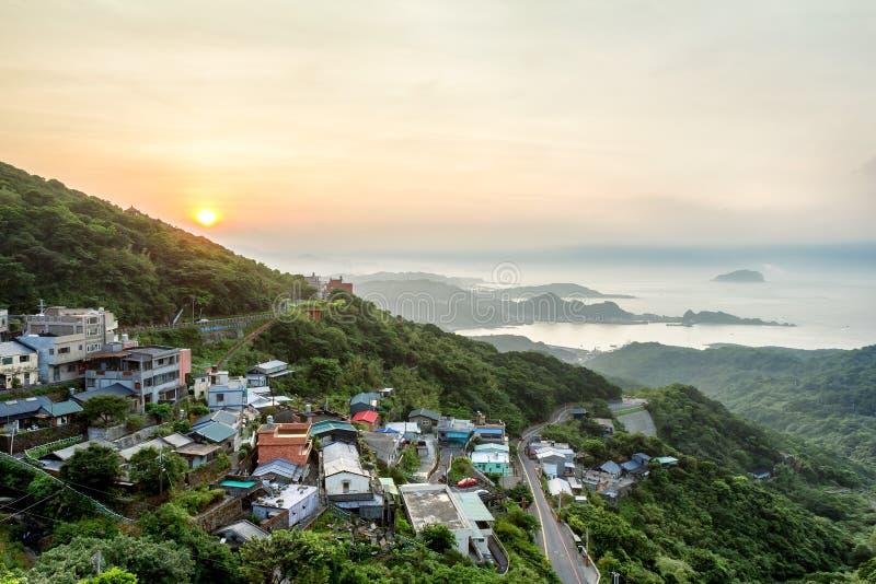 Vue de coucher du soleil d'une vieille ville de rue dans Jiufen, Taïwan images libres de droits